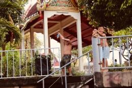 Dabbing in Thailand